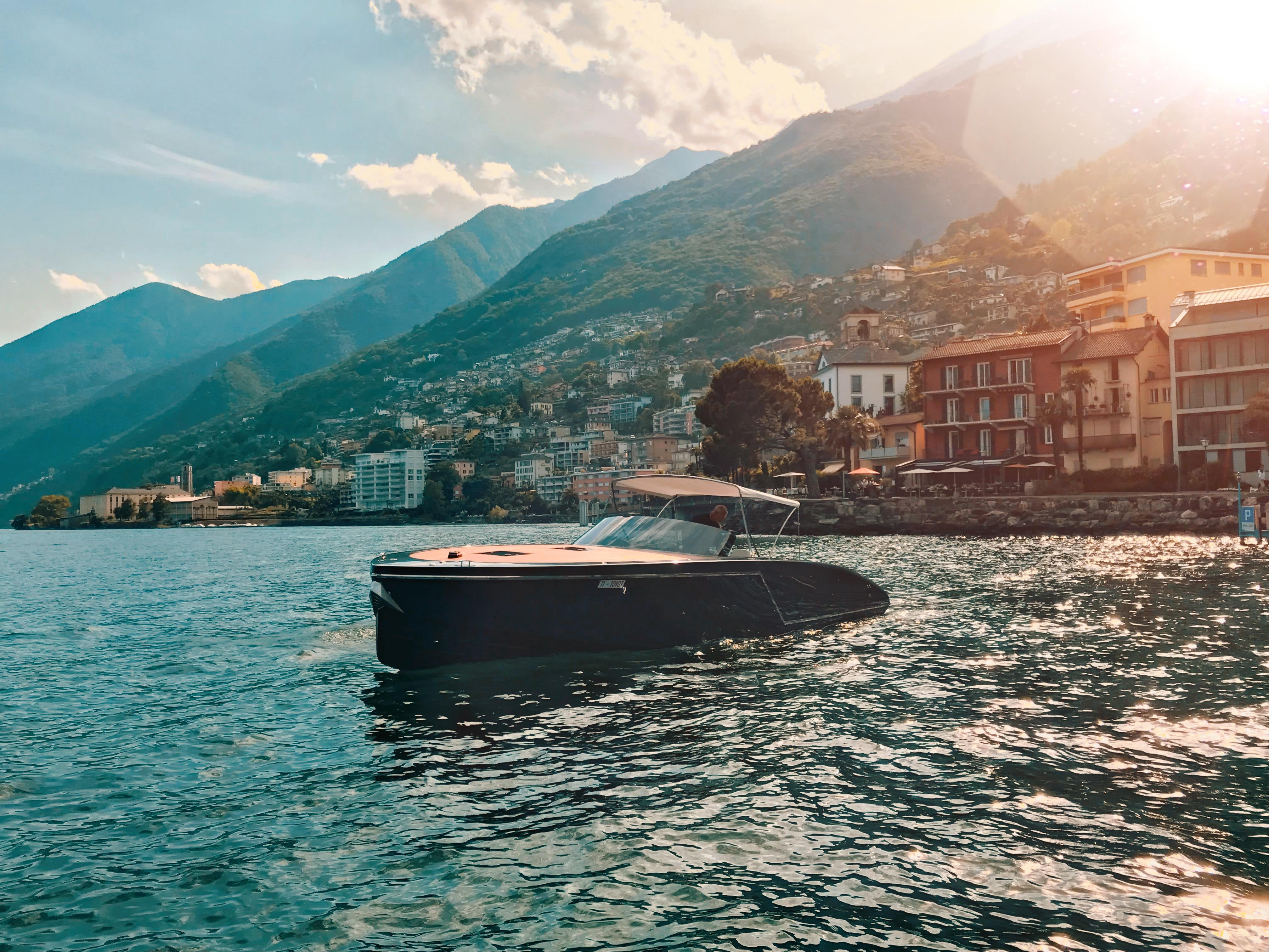 Frauscher mieten am Lago Maggiore
