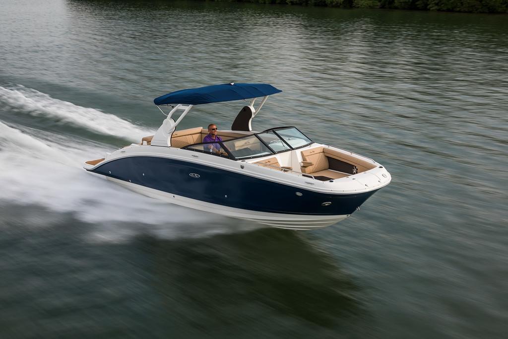 Sea Ray 270 SDX Boats Rental Lago Maggio