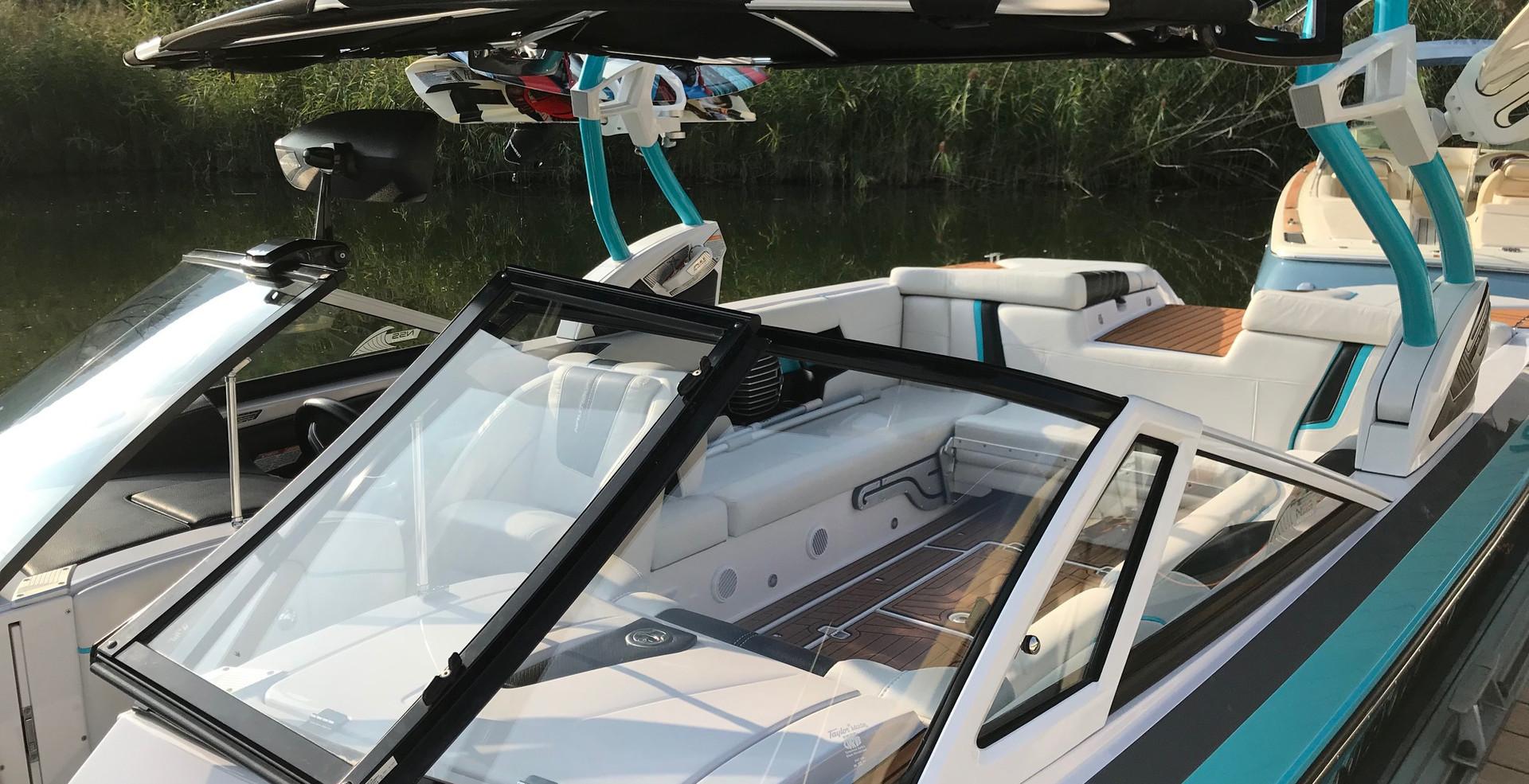 super-air-nautique-g25-bootsverleih-lago