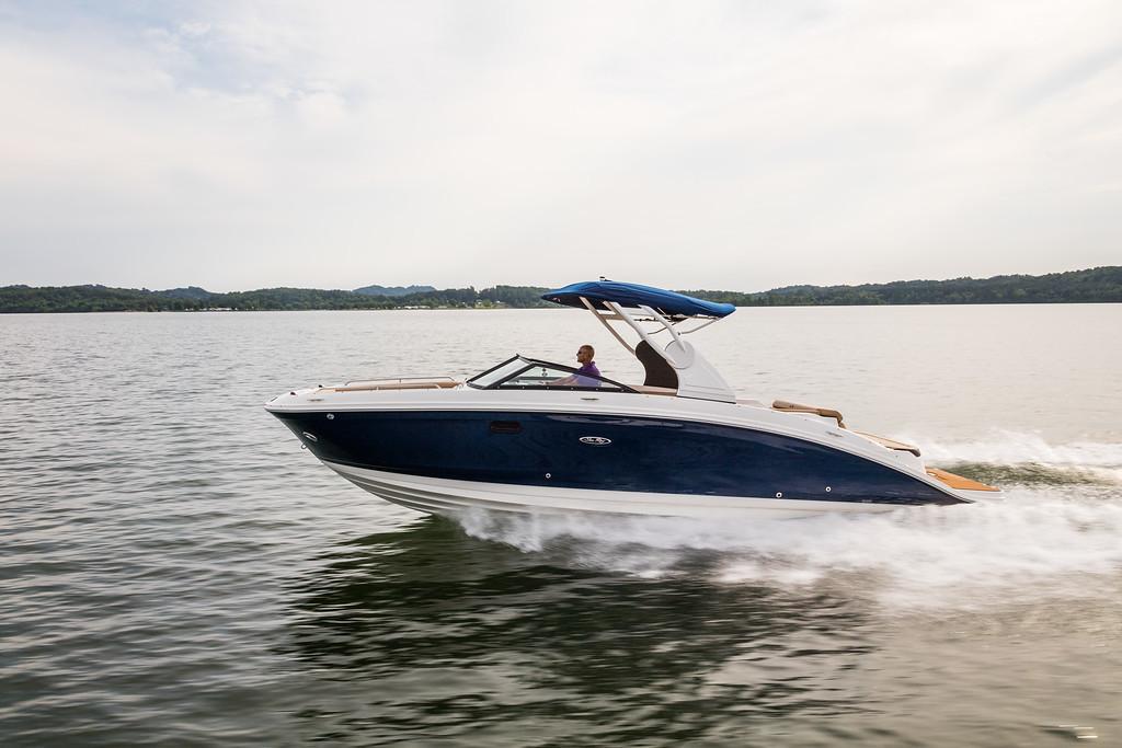 Sea Ray 270 SDX - Boats Charter Ascona-L