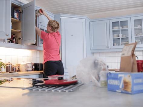 """""""Dette går ikke mer. Om jeg ikke klarer å rydde og organisere huset nå, må jeg flytte!"""""""