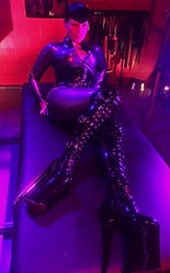 Denver Domina Elle at Domcon