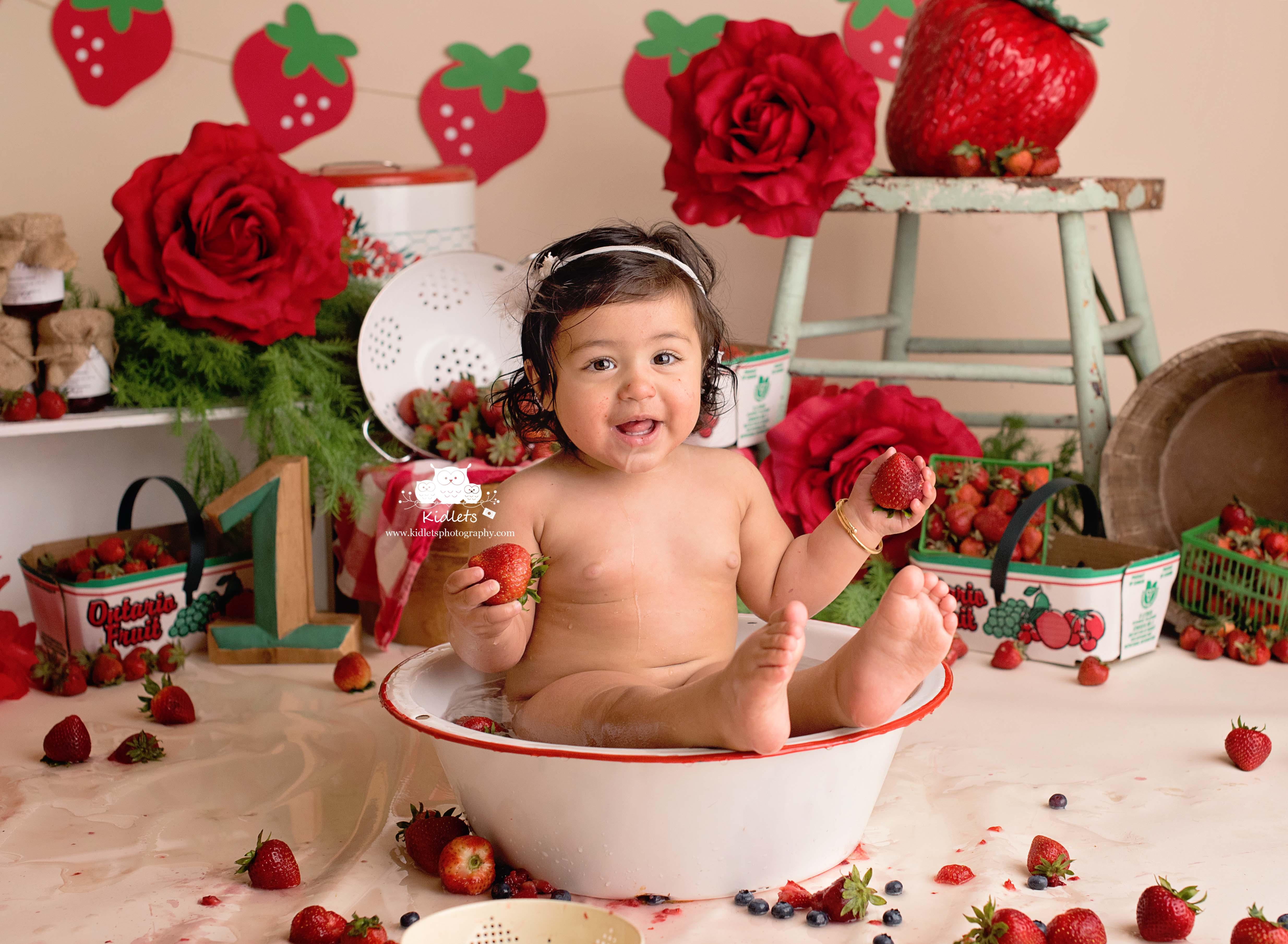 Strawberry Cake Smash
