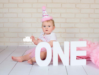 Orangeville, Shelburne, Alliston, Collingwood Photographer ~ Cake Smash & Bubble Bath Session