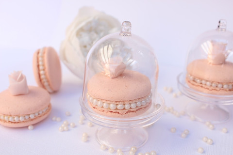 very chic and elegant Wedding favours