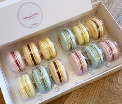 Macarons box of 12