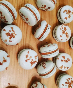French macarons filled with a homemade salted caramel, these are one of our best selling flavour 🤗_