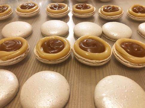 Salted caramel macarons 😊__#macaron #ma