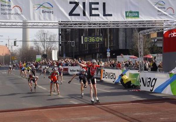 Coach Sooty winning Berlin Half Marathon 2005