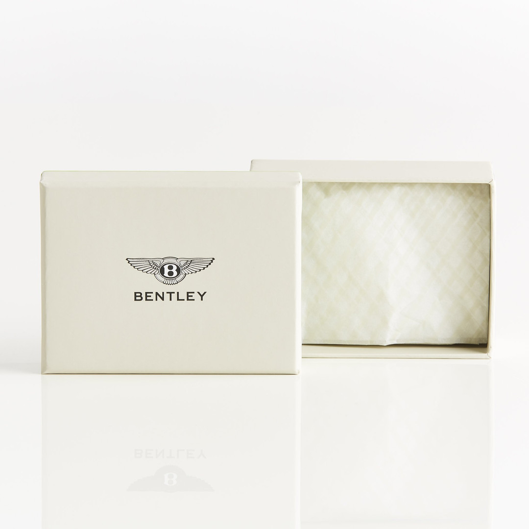 Bentley_gift_box_66ecbf52-895c-4a02-9176
