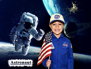 Astronaut%20120_edited.jpg