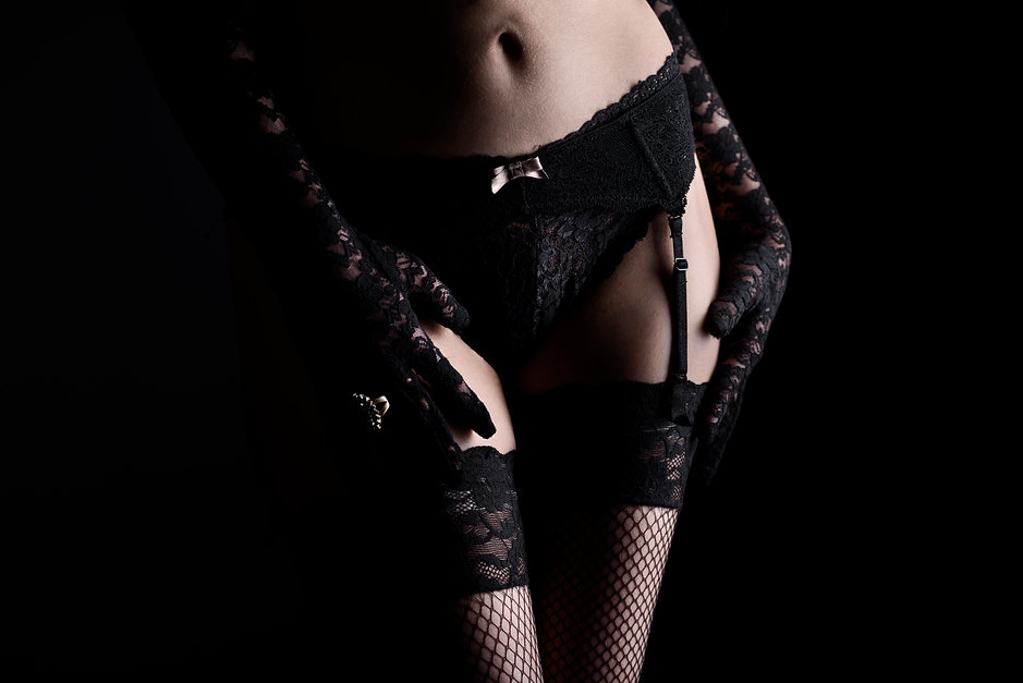 woman-in-laced-lingerie-PL936K3.jpg