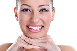 Teeth Whitening In Edmonton- How To Get That Pearly White Smile In Time For The Holidays!