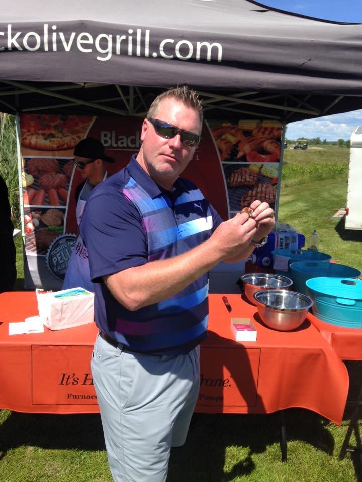 PRGolf2016 - Paul enjoying food