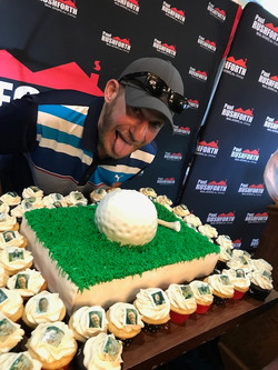 PRGolf2018 029 Stu & the Cake