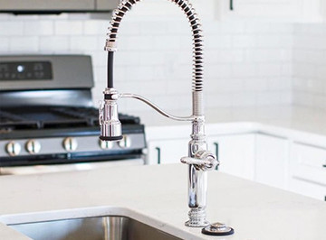 fcom-hp-kitchenfaucet-b.jpg