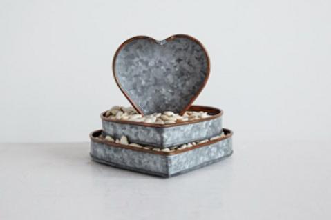 galvanized heart tray, 3 sizes