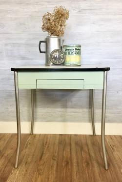 retro cool table