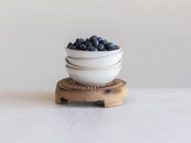 stoneware berry bowl / soap dish