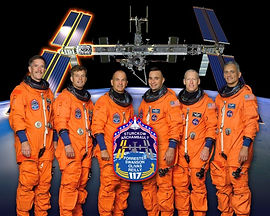 sts-117-official-nasa-crew-portrait-prio