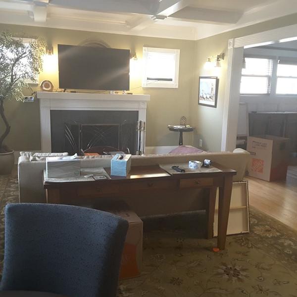 NE Oregon St-Justin-living fireplace bef