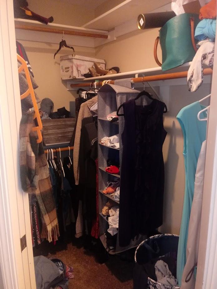 k closet-corner-before