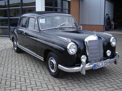 Mercedes 220S Ponton limousine