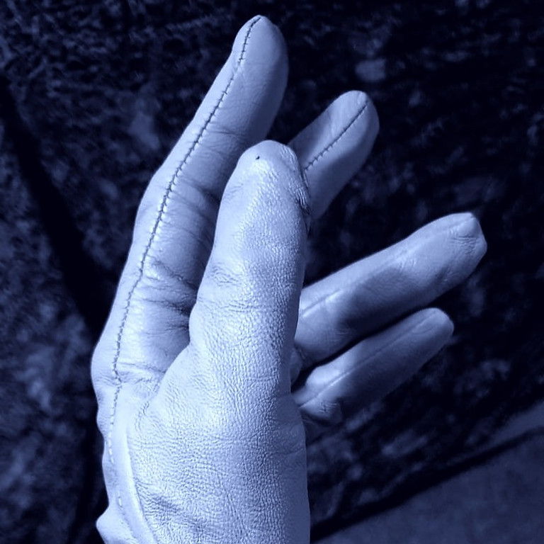EP05: Gloves