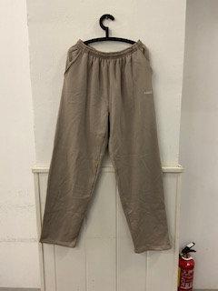 Pantalón marrón hombre