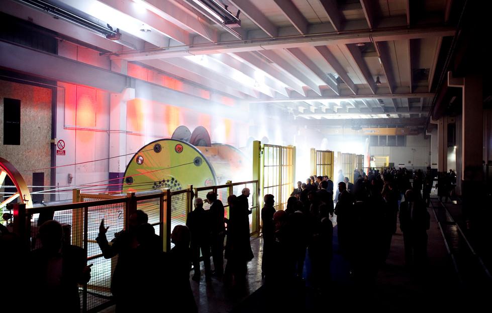 Light show inaugurazione nuovo impianto produzione | Light show - launch of a new producion machine