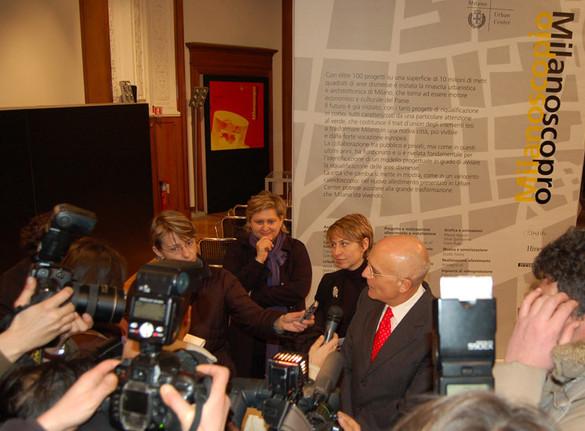Conferenza stampa con il Sindaco di Milano e l'architetto responsabile di Milanoscopio, Monika Unger | Press Conference