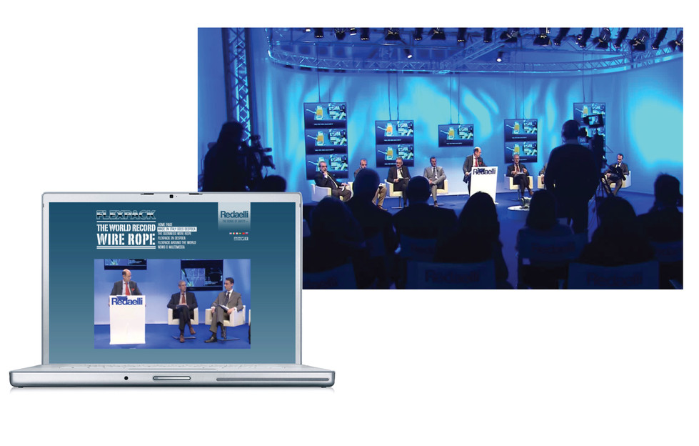 Diretta streaming con interventi live dai socials | Webstreaming and live from socials