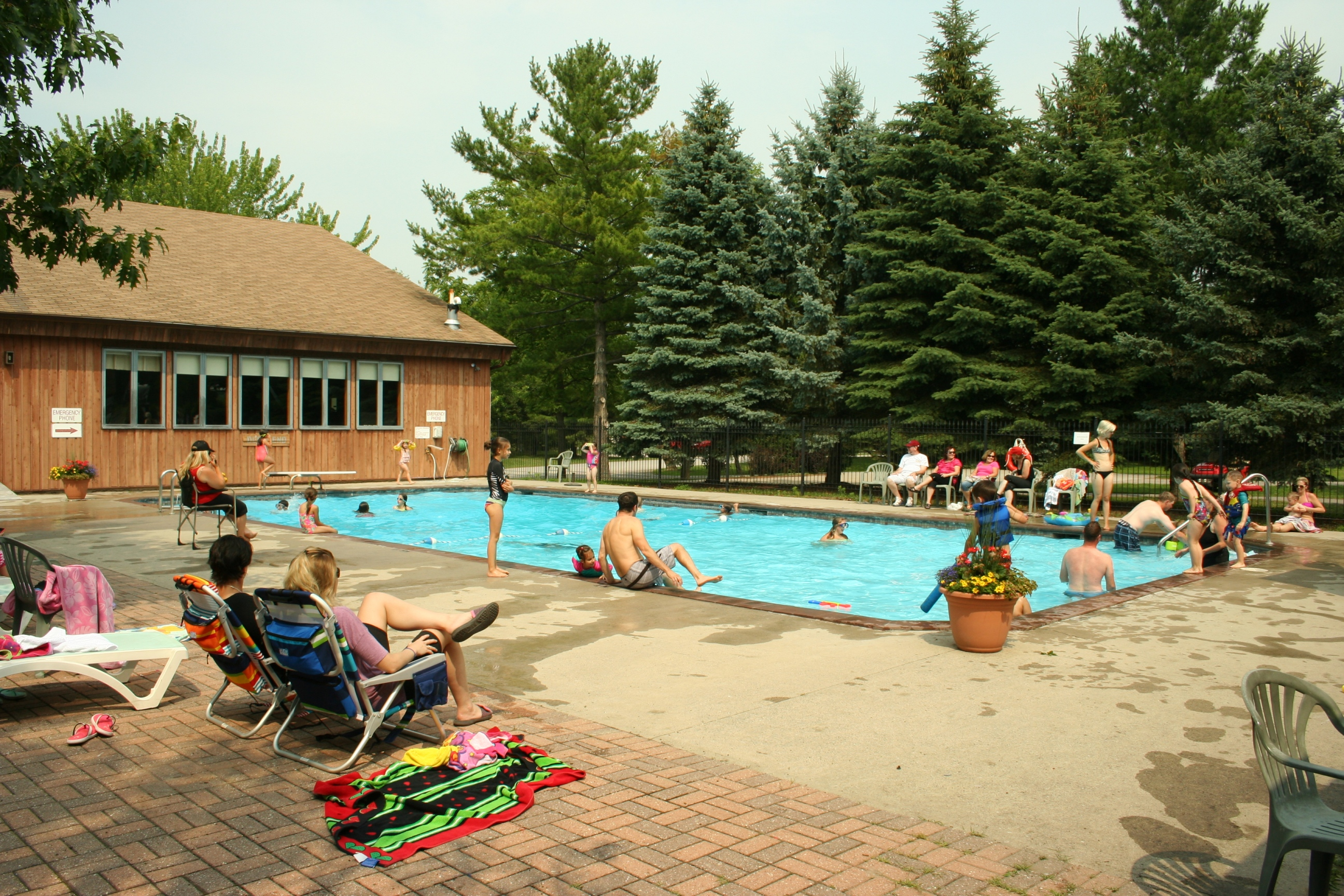 Rideau Acres Campground - Pool