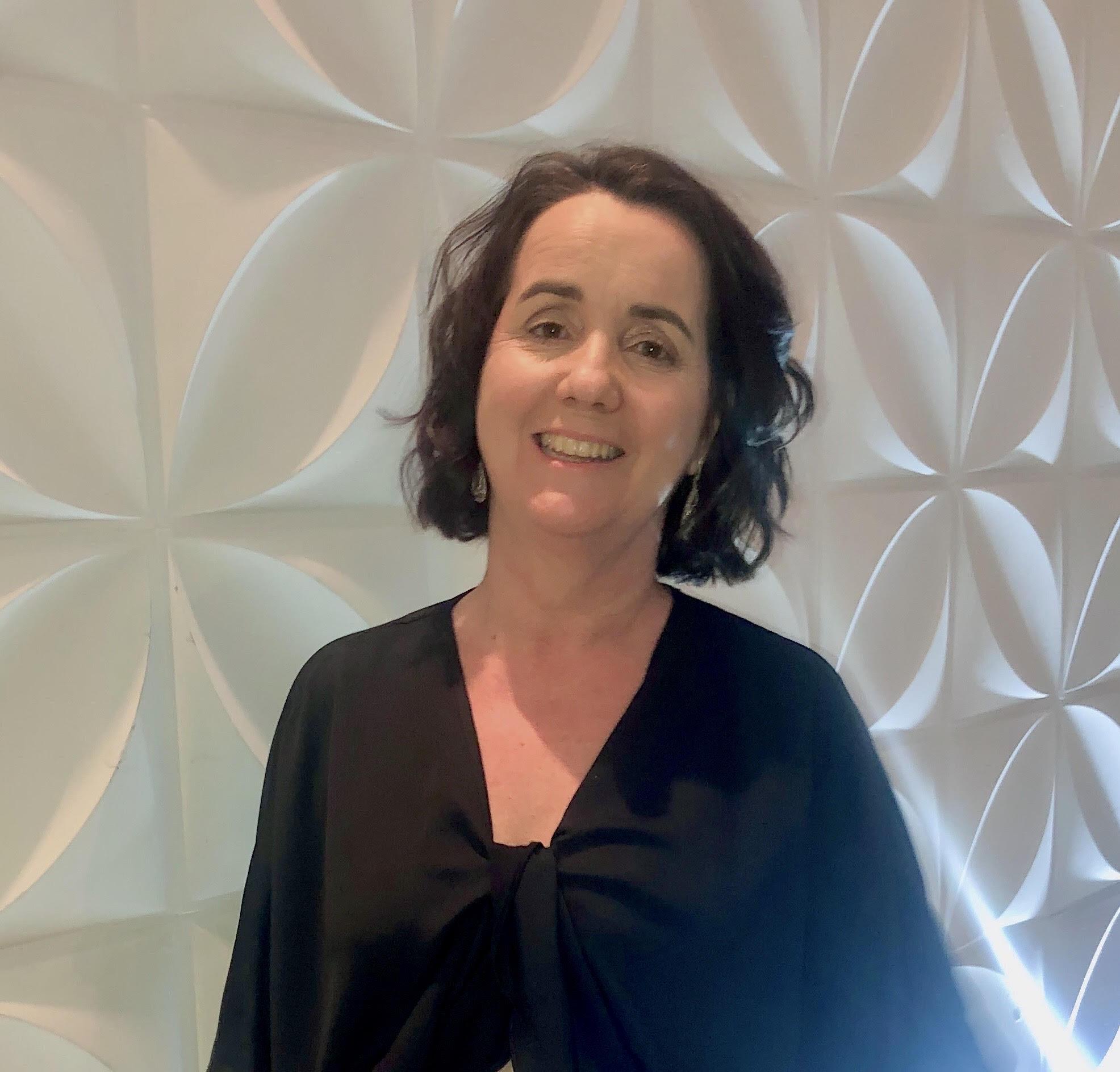 Profa. Dra. Ana Lúcia L. Moraes