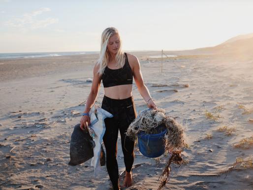 Artikel WWF: 'Julia surft tegen plastic.'