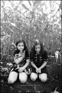 Marthe and Lotta    (Cat N° 7087)