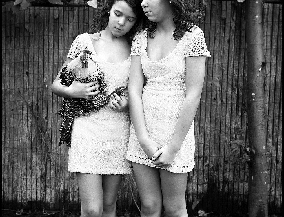 Kaat and Fien  (Cat. N° 7082)