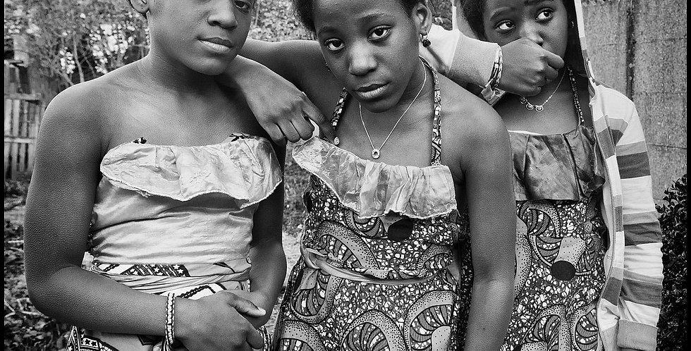 The Mahanzi Sisters II  (Cat. N° 7094)