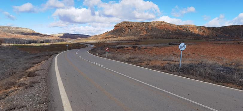 Carretera entre muelas
