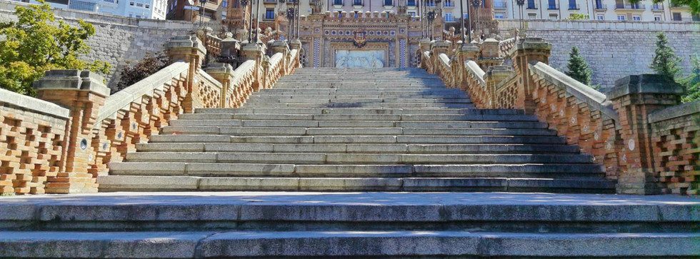 escalinata_edited.jpg