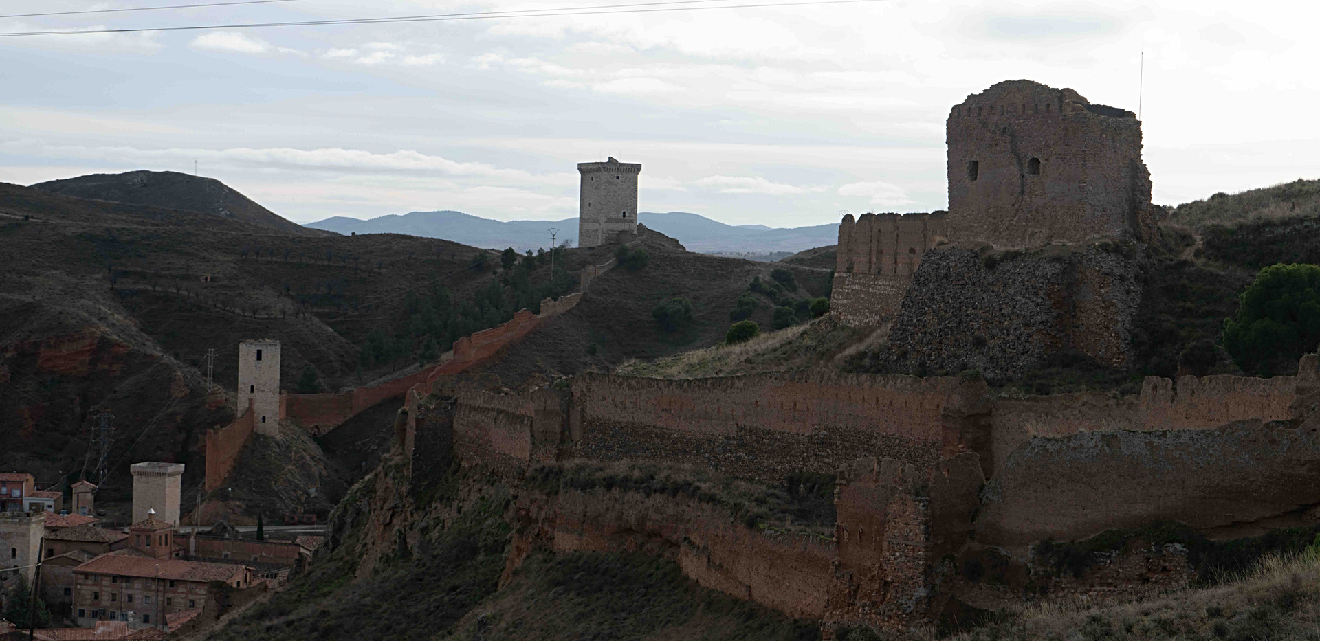 Murallas y torres / Walls and towers