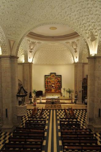 Interior Iglesia de Langa del Castillo