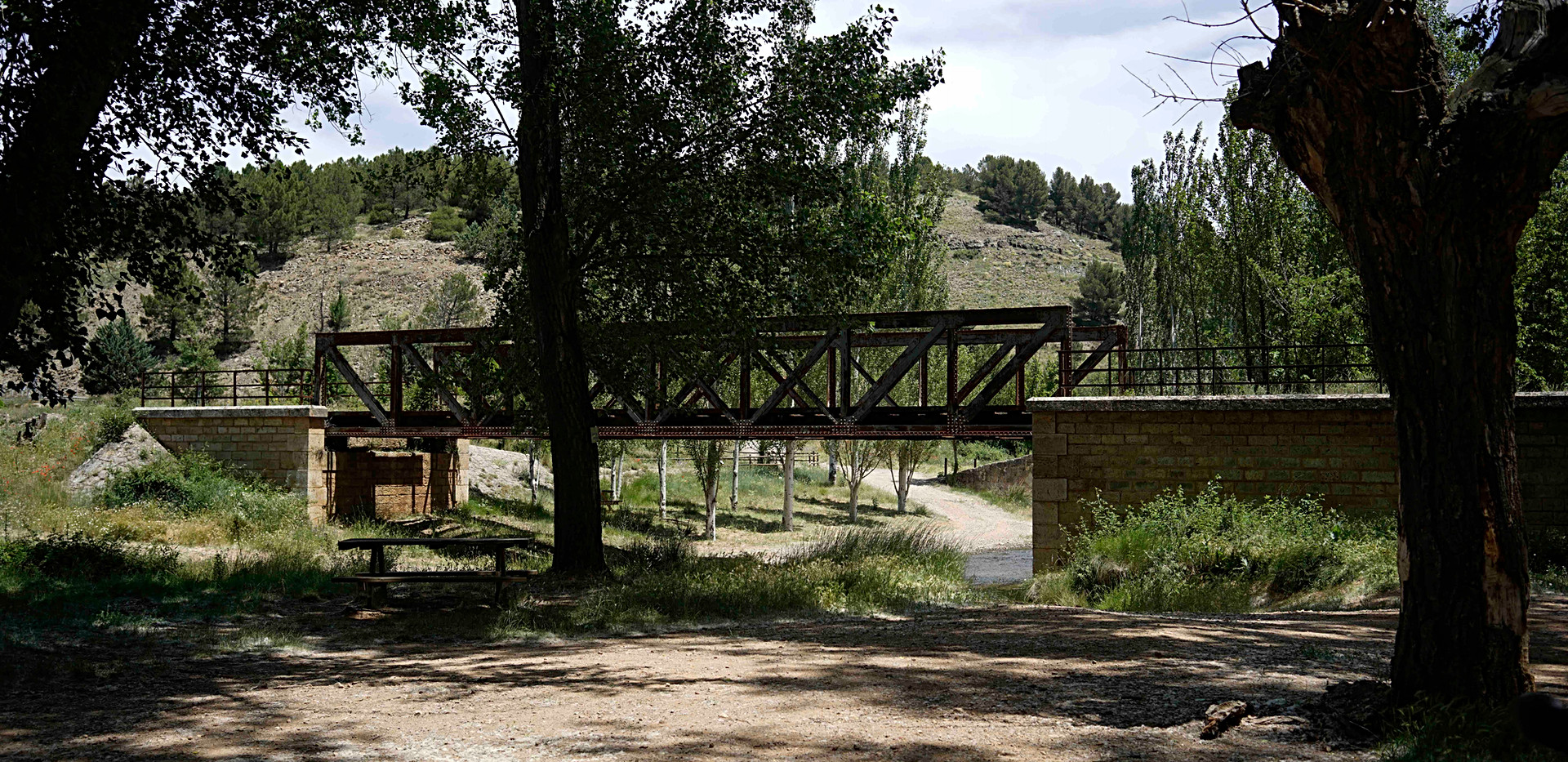 Puente hierro Siglo XX / 20th century iron bridge