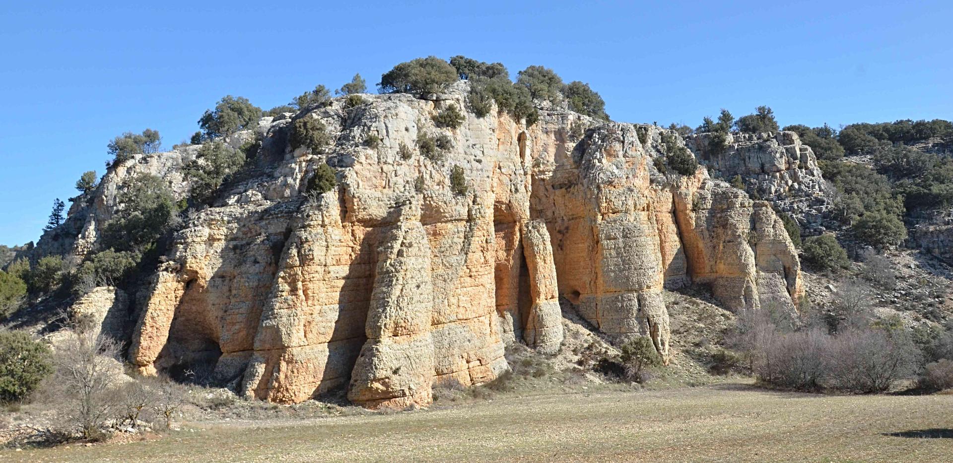 Barranco con campo / Rock mountains