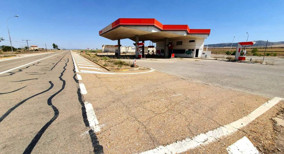 Gasolinera / Fuel station