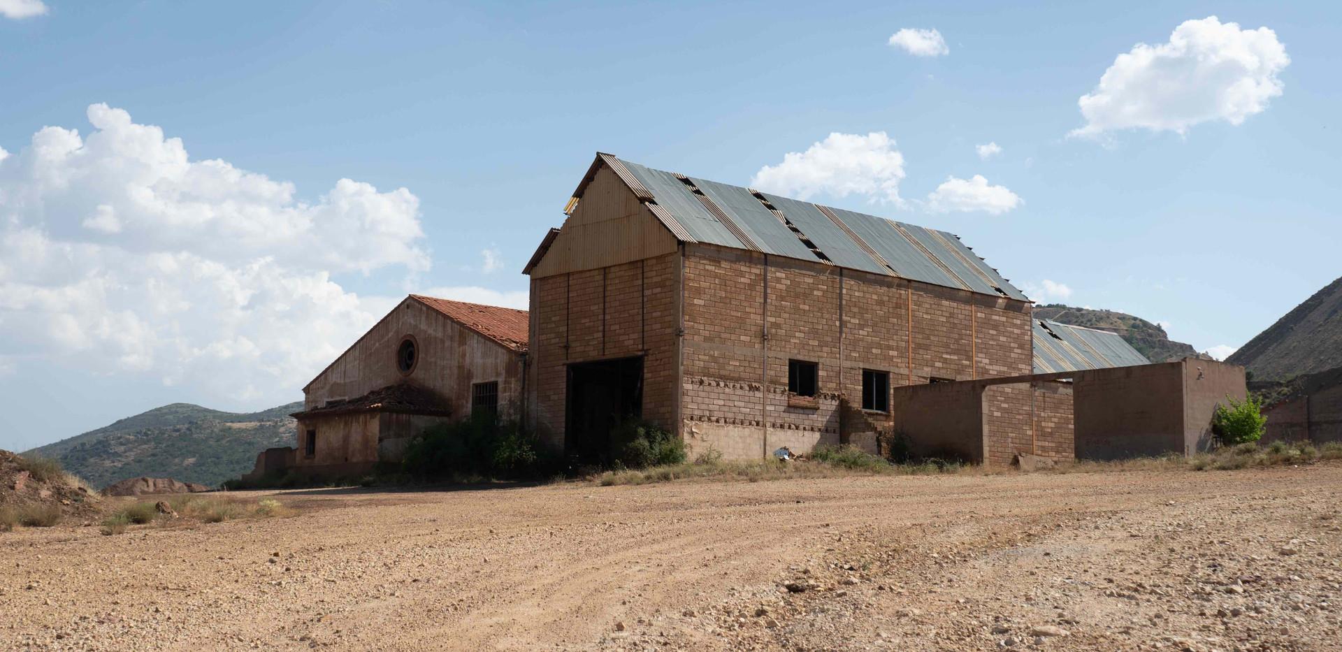 Garages de maquinas mineras /  Machine ship