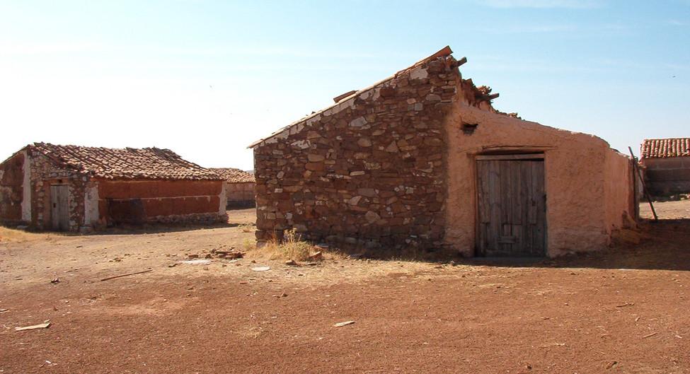 Establos y graneros / Barns