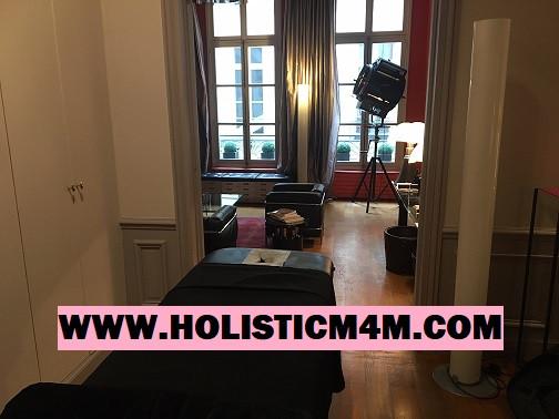 Massage a domicile Paris - Masseur a domicile Paris, France, outcall massage male masseur massage therapist.