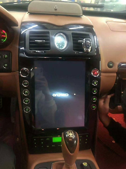 Radio upgrade for Maserati Quattroporte 2004-2014. 10 buttons around screen