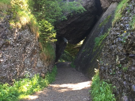 Rock entrance to the Zen Temple